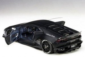 Liberty Walk Huracan Model Car 1:18